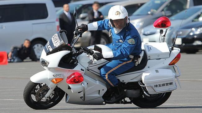 岡山県警 女子高生 胸に関連した画像-01