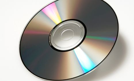 【悲報】今どきの若者さん、『CD』を知らない… 「これ音だけなんですか?動画出てこないんですけど」