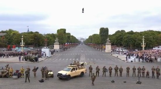 フランス 新警備体制 SFに関連した画像-05