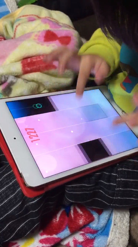 音ゲー 4歳 天才 指に関連した画像-04
