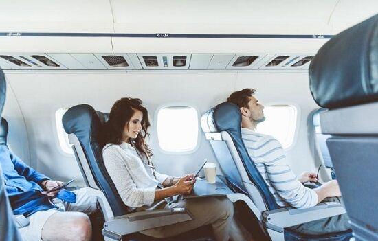 デルタ航空座席倒す時マナー議論に関連した画像-01
