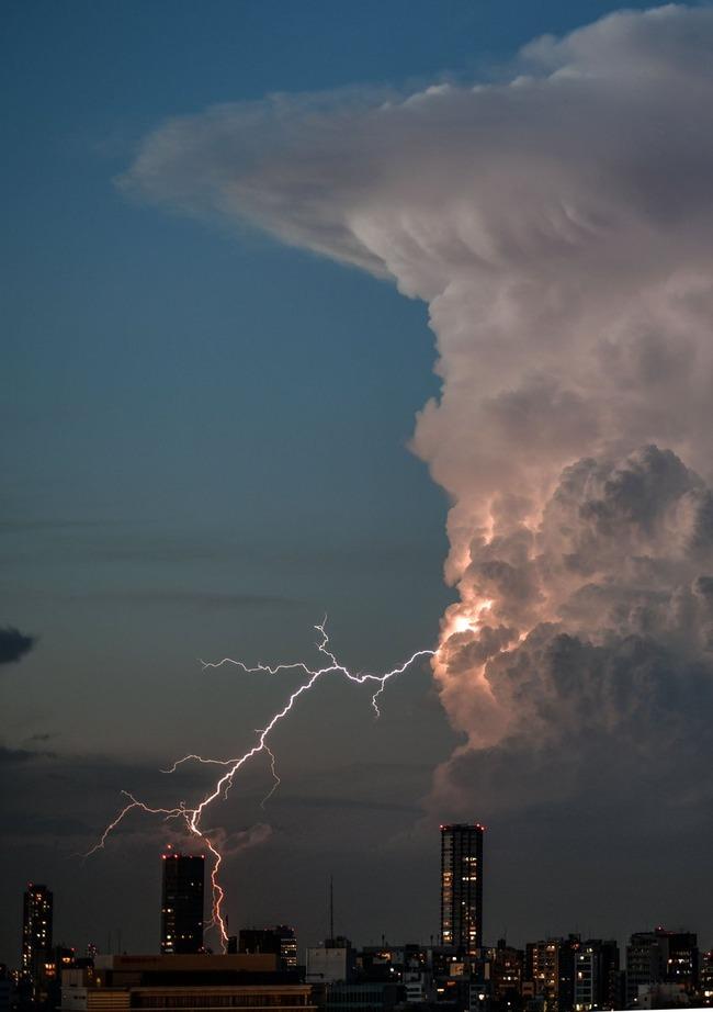 東京上空 積乱雲 ラピュタ 竜の巣に関連した画像-02