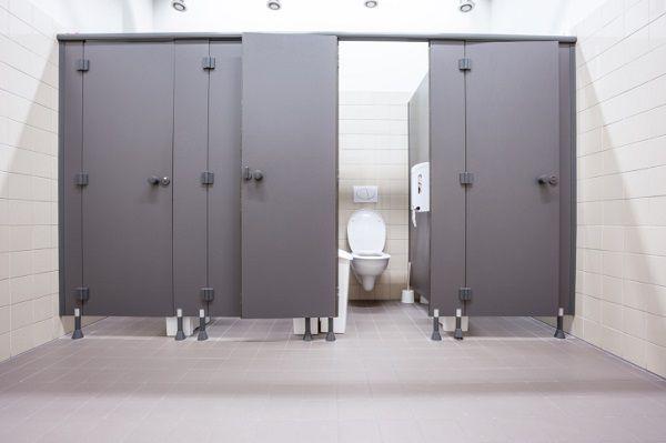 千原ジュニアさん、個室トイレの混雑問題について「トイレの中全部○○にしたらええんちゃう?」←それだ!!