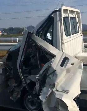 軽トラ ボコボコ 事故 動画に関連した画像-02