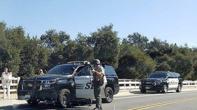 警察 解体 女性 活動家 武装 エアガン アリッサ・ミラノに関連した画像-03