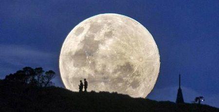 満月 ウルフムーン 新年に関連した画像-01