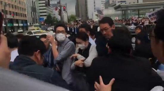安倍総理 演説 北海道 左翼 妨害に関連した画像-03