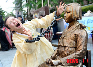 慰安婦 解決 10億円 無視に関連した画像-01