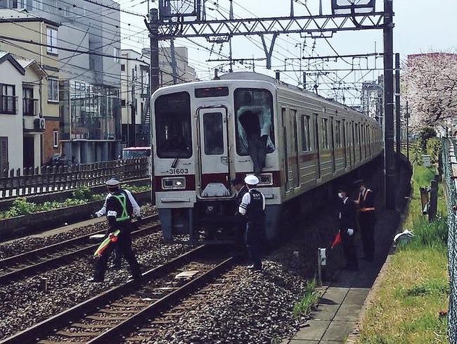 電車 飛び込み 窓 突き破る 駅 人身事故に関連した画像-02