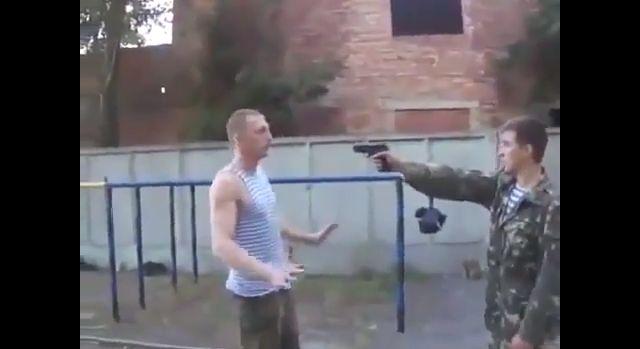 ロシア 拳銃 素手に関連した画像-01