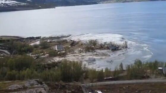 ノルウェー 地すべり 衝撃に関連した画像-04