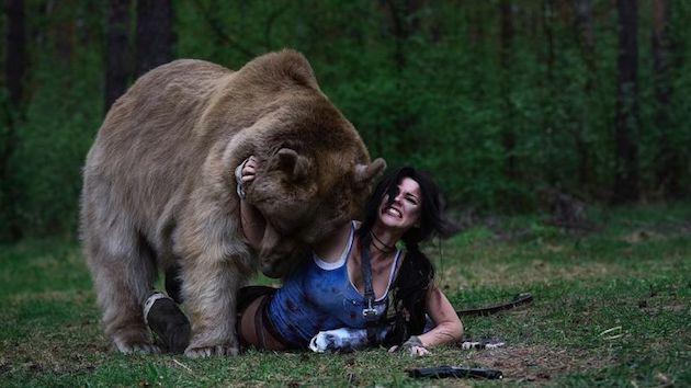 コスプレイヤー コスプレ クマ 本物 ロシア トゥームレイダーに関連した画像-06
