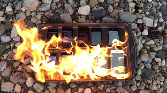 iPhone 燃やす 歴代 携帯 スマホ アップルに関連した画像-01