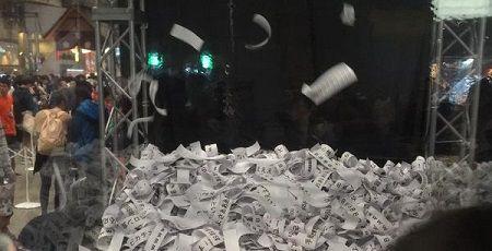 ニコニコ超会議 コメン塔 紙の無駄遣いに関連した画像-01
