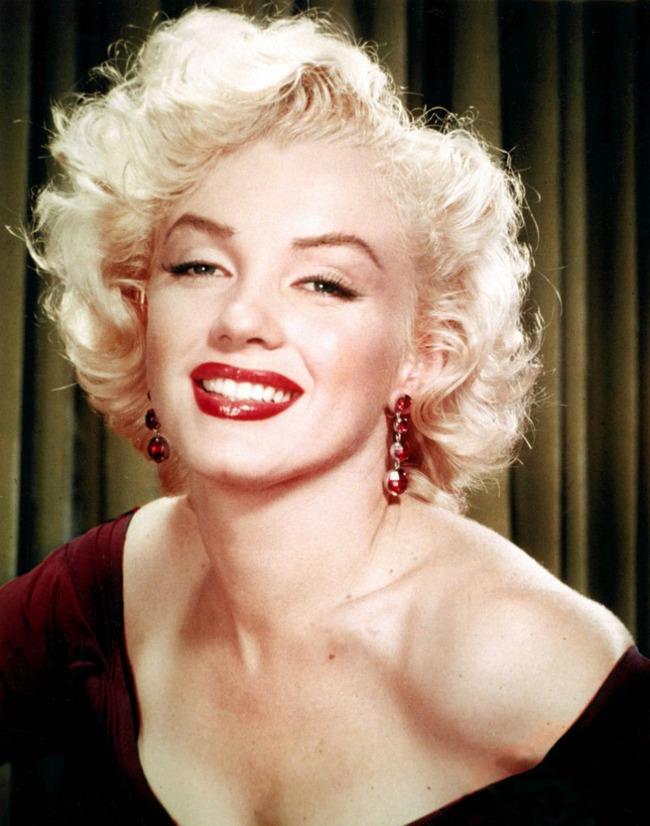 マリリン・モンロー 整形手術 美容に関連した画像-03