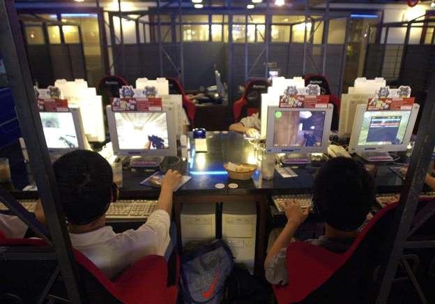 少年 中国 ネットカフェ 両親 殺害に関連した画像-01