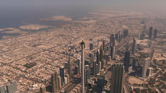 エレミーツ航空 CM ドバイ高層ビル ビルブルジュ・ハリファ 頂上 撮影に関連した画像-05