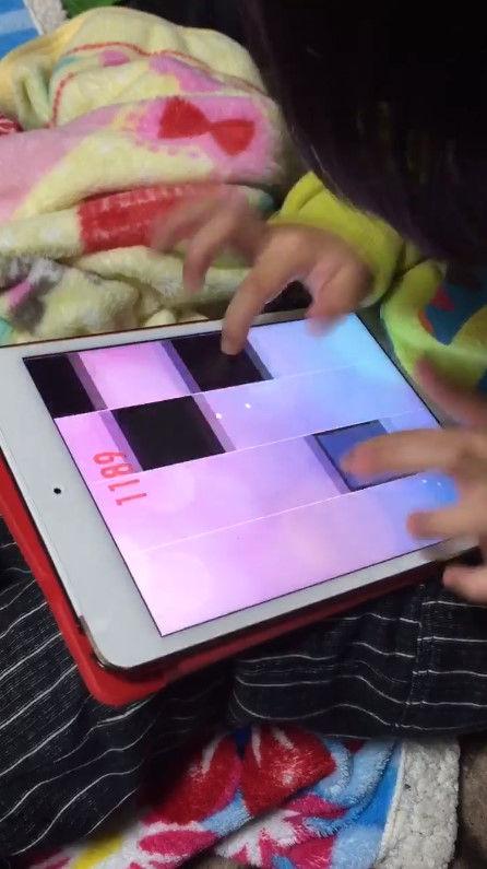 音ゲー 4歳 天才 指に関連した画像-03
