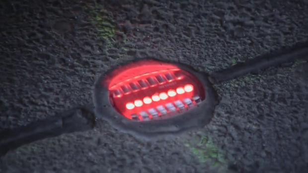 ドイツ 歩きスマホ 路面信号に関連した画像-04