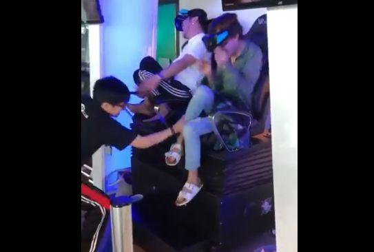 オカマ VR 体験 乙女 反応に関連した画像-04