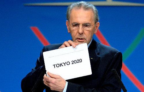 【悲報】安室奈美恵さんとSMAPが引退した事により、東京オリンピックの国歌斉唱は若手ジャニーズかAKBになる可能性が濃厚に