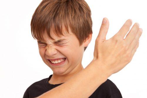 【悲報】日本、法律で子どもへの体罰を禁止せざるを得ない状況になってしまう…