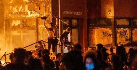 アメリカ デモ 暴動 トランプ大統領 軍隊に関連した画像-01