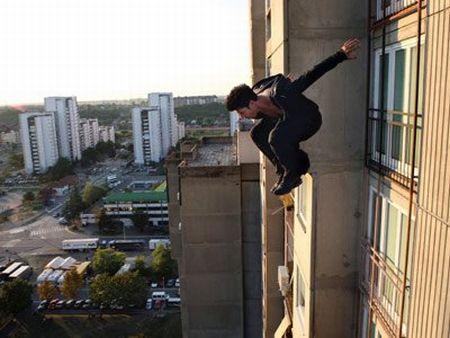 2階から飛び降り骨折に関連した画像-01