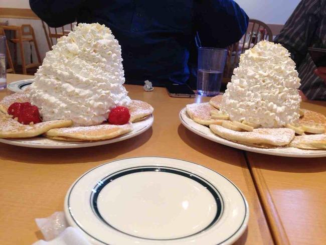 エッグスシングス パンケーキ 生クリームに関連した画像-02