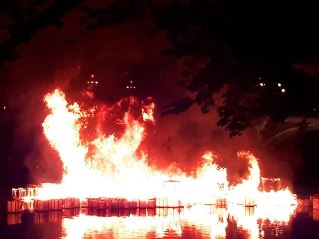 ポプテピピック 灯篭流し 炎上に関連した画像-09