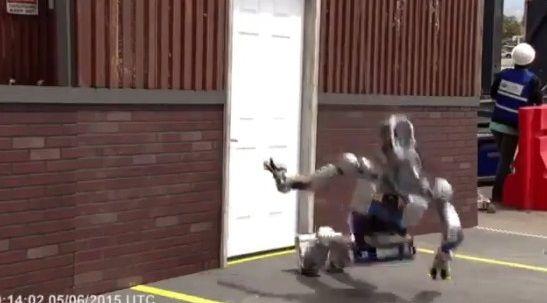 二足歩行ロボット ドア バトルに関連した画像-03