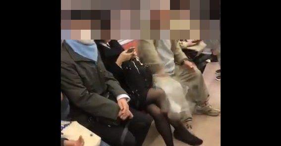 【老害動画】電車で足を組んだ女性にブチ切れ、足を叩きまくる老人が撮影される…