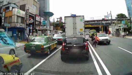 ドライブレコーダー 歩行者 車に関連した画像-06