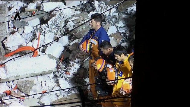 メキシコ 救助隊 地震 いい話 に関連した画像-03