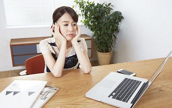 年収350万円の37歳女性「20代から管理職で年収800万円以上の人がいいんだけど、私がキャリアウーマンだから尻込みされて結婚できない・・・」