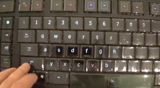 有機ELディスプレイ  キーボード Optimus Maximusに関連した画像-06