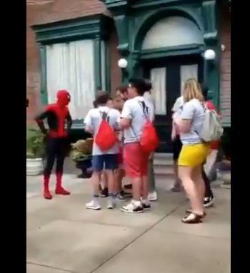 スパイダーマン ディズニーランド トムホランドに関連した画像-02