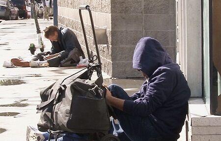 スイス ホームレス ヨーロッパ 清掃 退去 片道切符に関連した画像-01