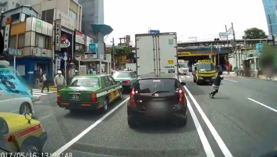 ドライブレコーダー 歩行者 車に関連した画像-08