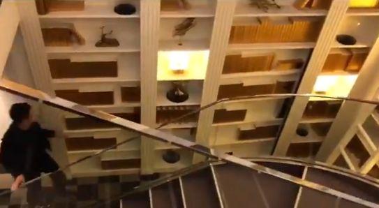 銀座 ケーキ屋 トイレ 隠し扉に関連した画像-03