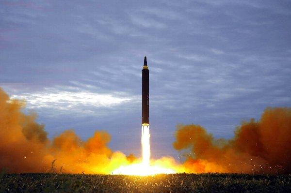 北朝鮮 ミサイル 弾道ミサイル ICBM級に関連した画像-01