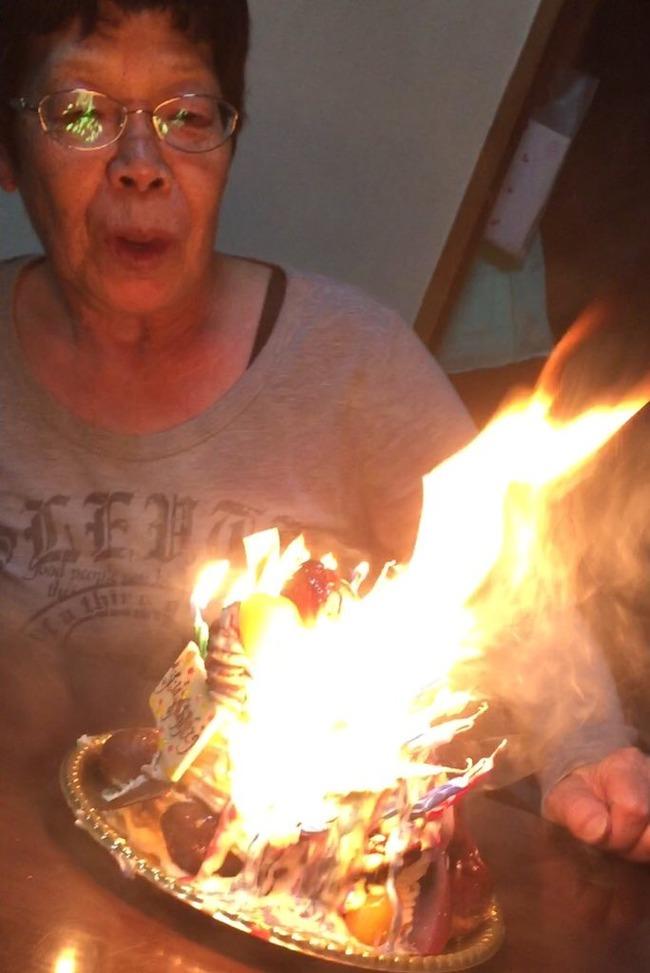 おばあちゃん 誕生日 ロウソクに関連した画像-03