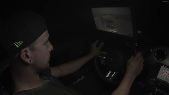 ゲーマー プロドライバー レースゲーム 後方視点 実車 再現 勝負に関連した画像-05