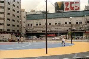秋葉原 駅前 バスケットコート 若者 時代に関連した画像-04
