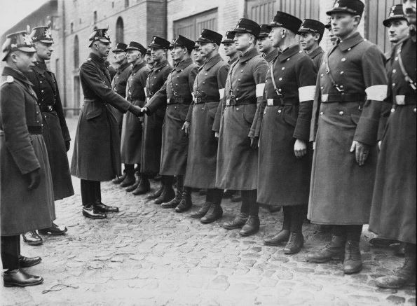 BTS ハーケンクロイツ ナチス親衛隊に関連した画像-09