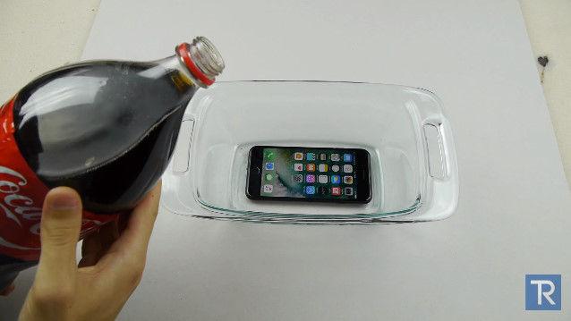 iPhone7 コーラ 冷凍 防水に関連した画像-01