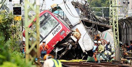 京急線 脱線 衝突 トラック 事故 マスコミ 線路 無許可 警察に関連した画像-01