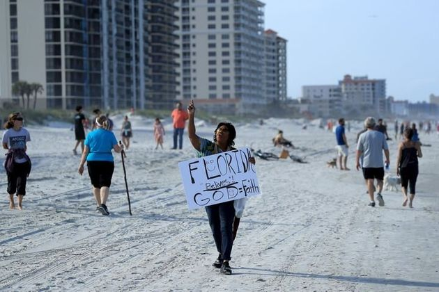 アメリカ ビーチ閉鎖 解除 人殺到に関連した画像-05