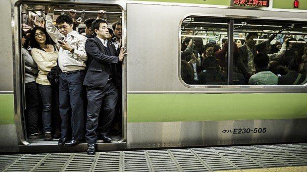 満員電車 ストレス 戦場並みに関連した画像-01
