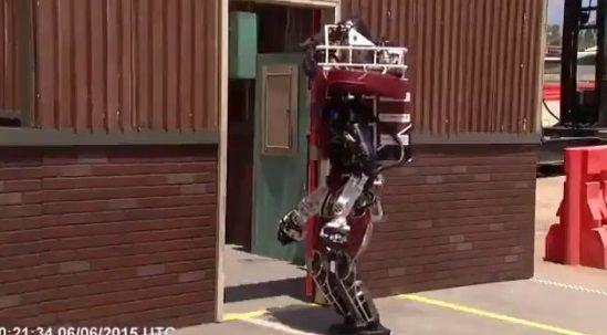 二足歩行ロボット ドア バトルに関連した画像-08